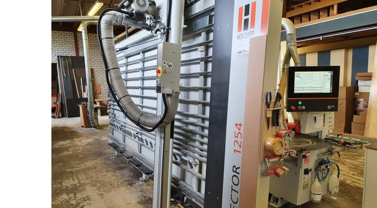 HolzHer verticale zaagmachine Sector 1254 augustus 2021 te Gouda